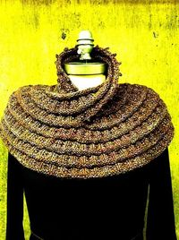 Ravelry: Project Gallery for Harmonia's Rings Cowl pattern by Sivia Harding Saw this in person and thought it was an awesome pattern!