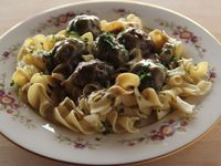 Get this all-star, easy-to-follow Swedish Meatballs recipe from Ree Drummond