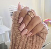 My nails are terrible, they won't grow. So I always use fake nails to be more feminime. More
