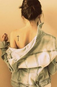 25 Best Small Tattoo Styles You Must Have On Your Body...