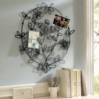 Floral wire wall decor
