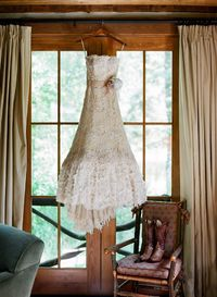 """Just wait until you see this classic ranch wedding �€"""" it's definitely got us dreaming of the great outdoors, with a natural palette."""