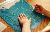 Mess free painting while using Ziplock bags. LOVE this idea! #spon