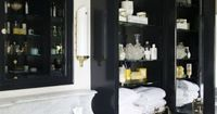 Black white and gold bathroom | habituallychic
