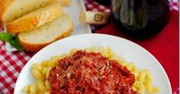 Crock Pot Spaghetti Sauce is thick and hearty. Perfect for Fall and winter! #dinner