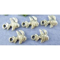 20 x Antique Silver Tone Fish Charms. ( 10mm x 8mm Tropical Metal Pendants ) Design Beach, Ocean, Animal & Nature Handmade Jewellery. £3.09