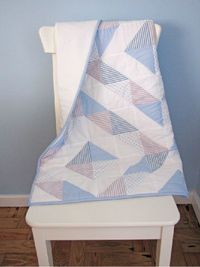 blue quilts, half square triangles and quilts.