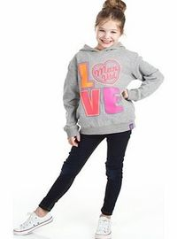 n/a Manchester United Love Graphic Hoody - Grey Marl Manchester United Love Graphic Hoody - Grey Marl - Girls http://www.comparestoreprices.co.uk/sportswear/n-a-manchester-united-love-graphic-hoody--grey-marl.asp
