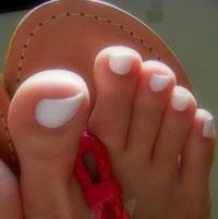 How to get white toenails: mix a small amount of baking soda and hydrogen peroxide together. Make into a paste. Get a tooth brush and scrub the paste onto your toenails. Then soak your toenails in the paste. Let them sit for 5-10 min. Then rinse off toes....