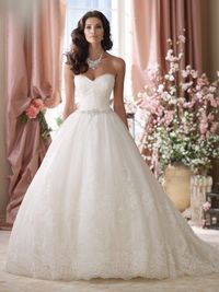 """114289 - Vera Description �€� Wedding Dresses 2014 Collection �€"""" Strapless embroidered lace and tulle ball gown wedding dress, sweetheart neckline with eyelash trim, soft embroidered lace bodice features hand-beaded jeweled detail at nat..."""