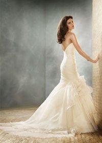 Mermaid/trumpet wedding gown