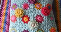 love the additional flowers made by pinkfluffywarrior, ravelry