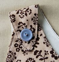 Easy, step-by-step tutorial from Purl Bee on making a perfect button hole.