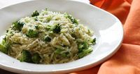 Broccoli and Orzo Servings: 4 �€� Serving Size: 3/4 cup �€� Old Points: 3 pts �€� Points+: 5 pts Calories: 174.1 �€� Fat: 4.3 �€� Carbs: 30.2 �€� Fiber: 3.8 �€� Protein: 6.0
