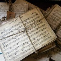 vintage music, gingerbread houses and vintage sheet music.