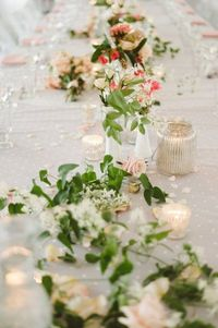 Wedding Wednesday is here yet again for your much needed dose of mid-week pretty. And while every SMP wedding is beautiful in its own right, I think today's sle