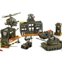 Army Base Playset 1086 Pieces 4 Minifigures $83.90
