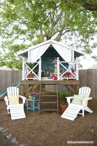 A couple years ago I posted one of my favorite home tours, a fabulous Montgomery, Alabama home belonging to the super creative and awesomely talented Ashley and