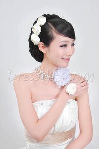 Resplendent Flower With Pearl Wedding Jewelry Set Including headdress flower,Necklace And Wrist flowersI
