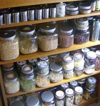 Mason jars are great for both dry foods and canning | Best Long Term Food Storage Tips #survivalife www.survivallife.com