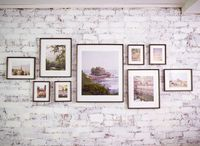 Framed photos will also be a big hit this year for your dreamy home, so we picked eight arrangements that you can use to organize your favorite pictures. Get in