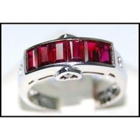 Diamond Center Heart and Ruby Ring Unique 18K White Gold [RQ0030]