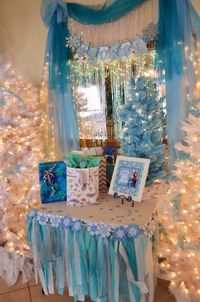 This adorable DISNEY'S FROZEN THEMED SEVENTH BIRTHDAY PARTY was submitted by Heather Liebman of Cake Pops Galore. What a fun party! I love all of the beautiful