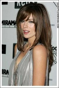 This straight hairstyle is sexy and chic. Kate Beckinsale's long hair falls beautifully down her back with bangs on the forehead. The hair frames her face nicely. Hair Cut: Kate Beckinsale's haircut is very long which has been layered as well. How...