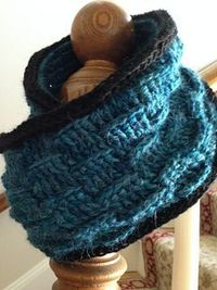 Fisher Hill - free crochet cowl pattern by Kathleen Rogers.