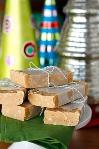 Easy Peanut Butter Fudge -- about 20 minutes of prep work yields three pounds of delicious, nutty peanut butter fudge, perfect for sharing and a fantastic budget-friendly homemade gift idea! | via