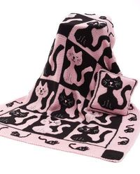 Adorable Cat & Mouse Crochet Throw & Pillow: free pattern