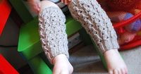 Free legwarmer knitting pattern. For toddlers, kids, and teens.