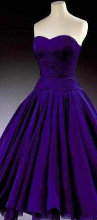 This color is beyond magnificent. Jean Dessès cocktail gown worn by Princess Margaret in 1951