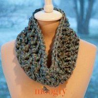 Hurry Up Holiday Cowl - Free Crochet Pattern - PatternConnection