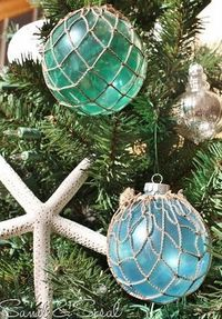 "Complete instructions to make these ""glass float"" ornaments by Sand & Sisal. For my beach themed Christmas tree."