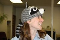 raccoon hat - free pattern